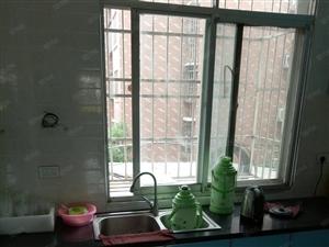 锦湖老兴国土豚汤旁,3楼,精装2室,证齐