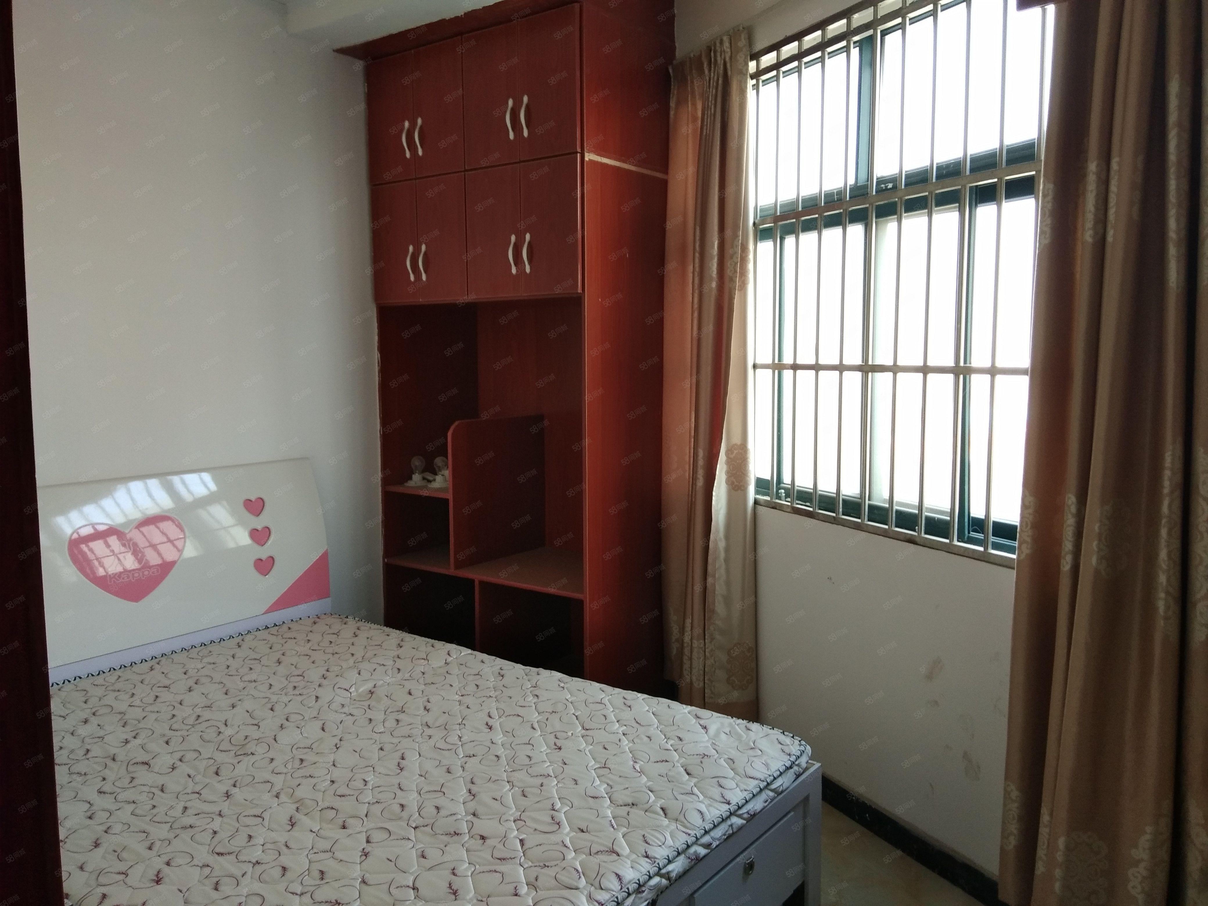 交通路格林绿色港湾精装修1室1厅1卫家具家电都可以配齐!