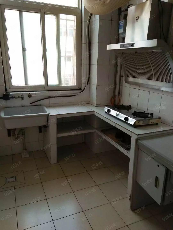 化纤厂宿舍两室家具家电齐全真实图片