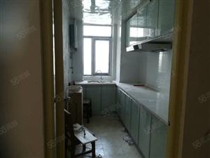 地铁11号线左岭新城玉泉社区3室2厅1卫价格优惠