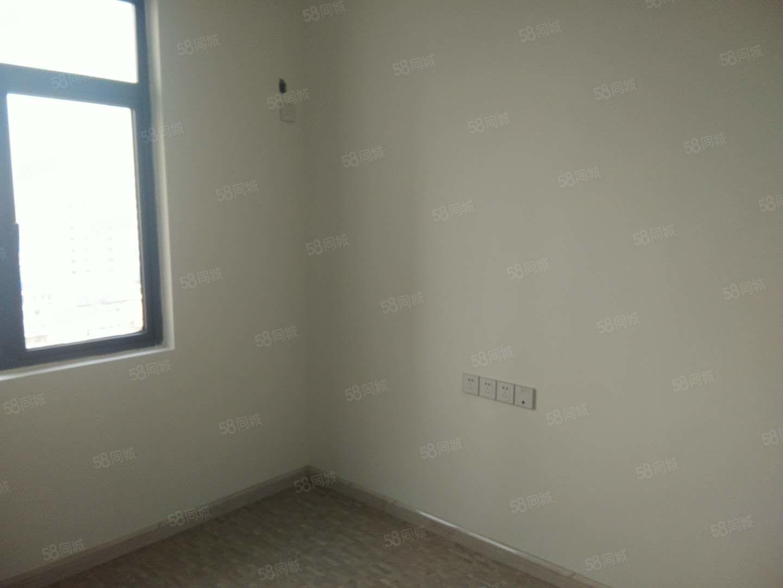 全新装修,家私家电齐全,拎包入住,随时看房。