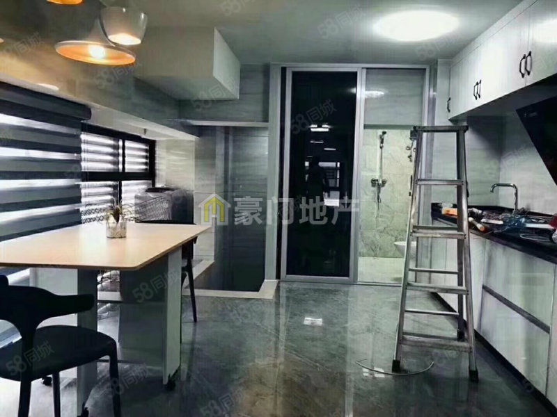 泰禾红树林(爱特公寓)超.级独门独户豪装23万两面采光