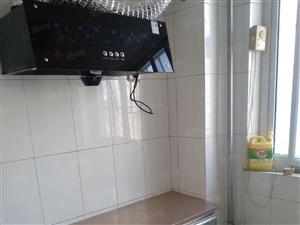 桂林路小区,3室2厅,带大车库,欢迎预约看房有钥匙。