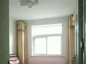 昌化路套二厅双气空调全明户型干净随时入住