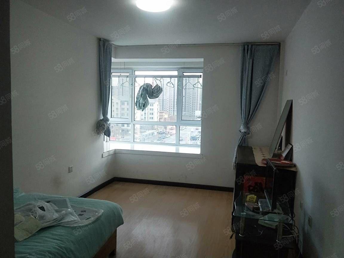 大润发周边齐安雅居,5楼年租12000,随时看房,拎包入住!