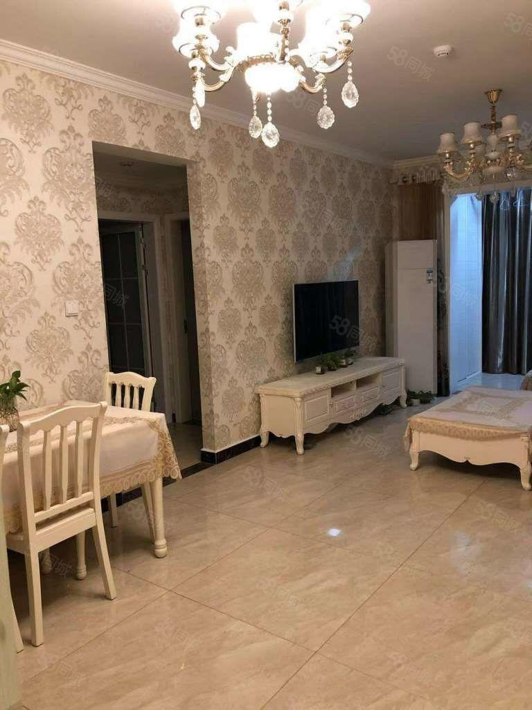 万达华府B区,酒店享受家的感觉,12楼豪装两房,高档大气温馨