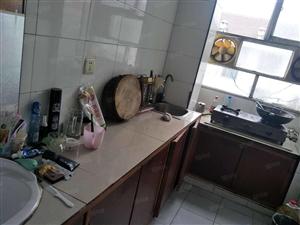 0阳光水岸东单元六楼65平方售价14.5万装修带家电