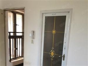 大悦城三四房两厅两卫精装修,急租,1600,看房随时