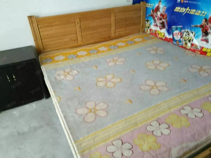 泸县县医院旁2室2厅1卫80平方住房出租!