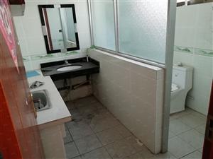 箭道街一家底上两层150平5室2厅简单装修