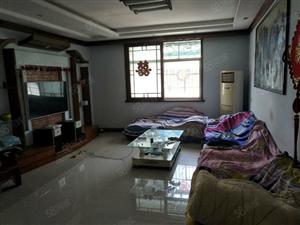 万寿苑附近134平米精装,3房2厅带家电,拎包入住。