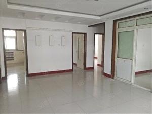 金三楼3室全新装修超好户型随时看房123平120万