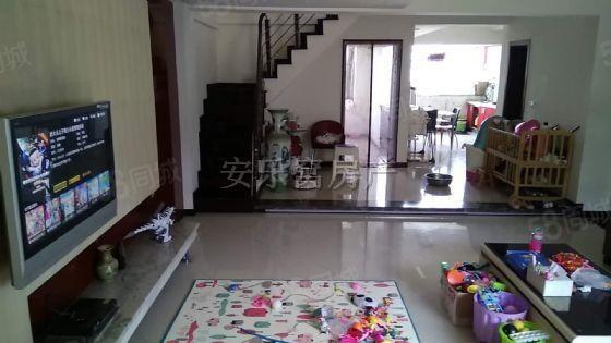 上江北学府花园精装180平米急卖,三连跃层露台30平米,