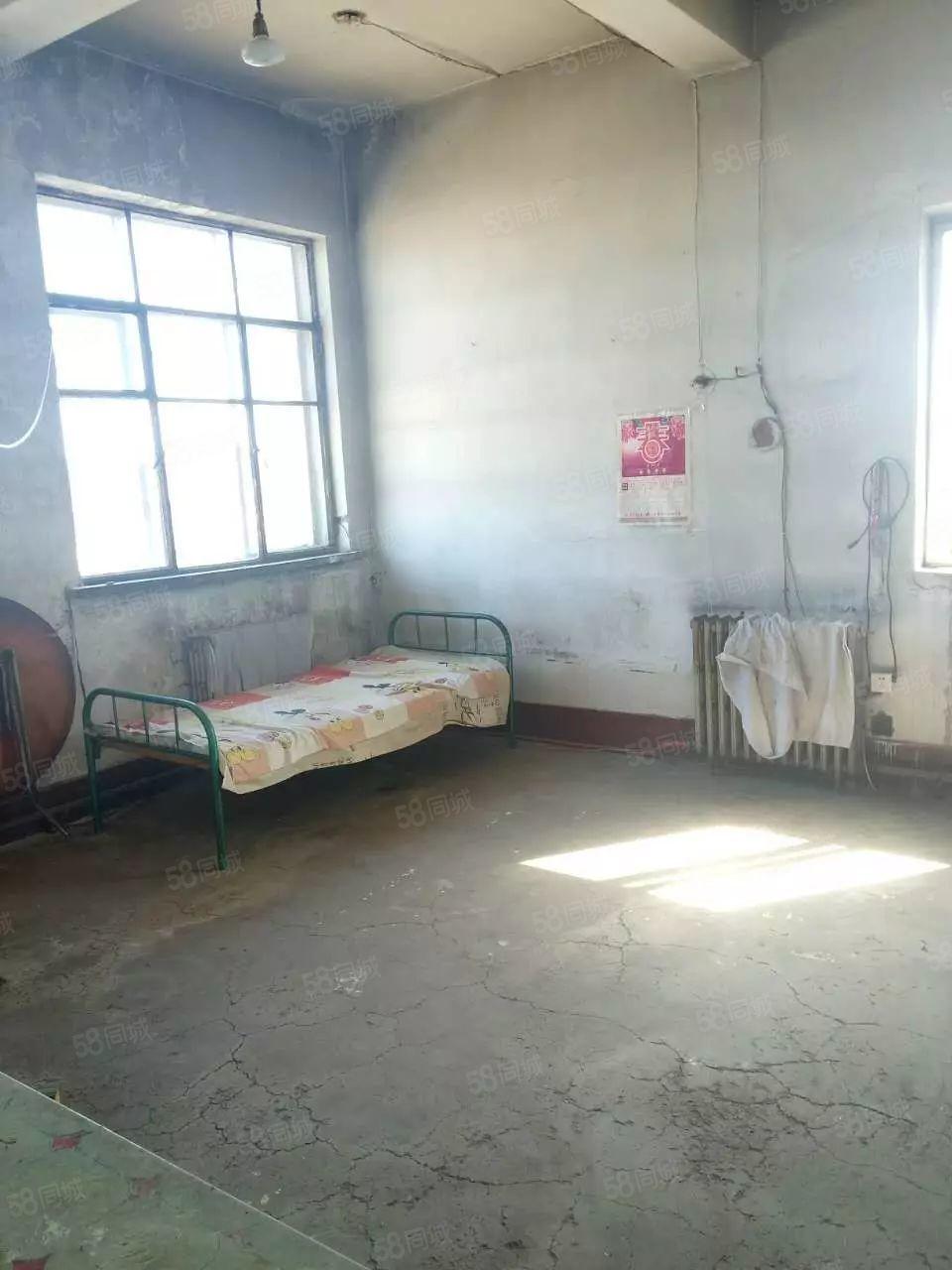面粉厂住宅7楼70平米2室2400元/年