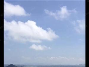 龙熙山超大江景落地窗,120方大三房,仅69万,送车位