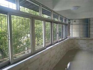 联家好房:天鹅广场3楼全新精装唯一住房急售