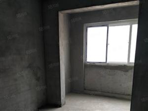 世博广场9楼电梯房小三室