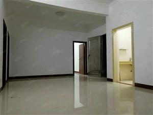 西粤南路恒福尚城附近130平米装修4房1600元急租
