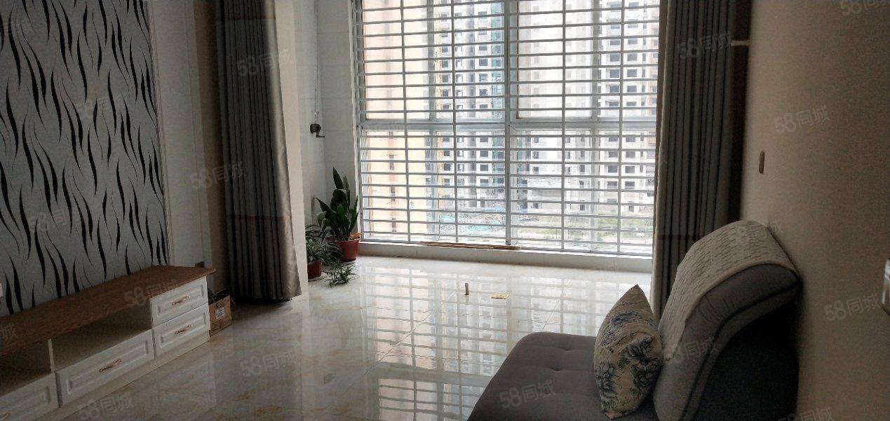 金色龙湾3室2厅1卫2阳台1300元/月,环境幽静,居住舒适