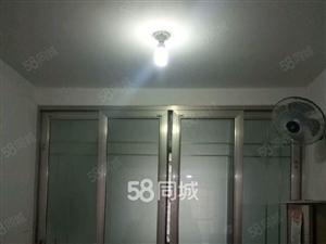 左岸春天5楼,120平米,三室两厅有储,有暖气,煤气,家具,