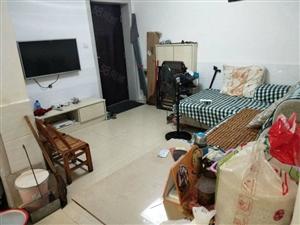 襄阳街附近一楼二房一厅50平精装修有空调天然气进户急售13万