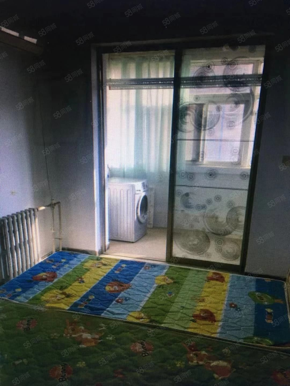 万和瑞景两室两厅拎包入住