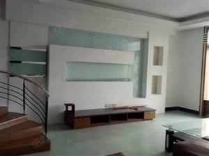 泸县花园干道4室2厅2卫150平方住房出售!