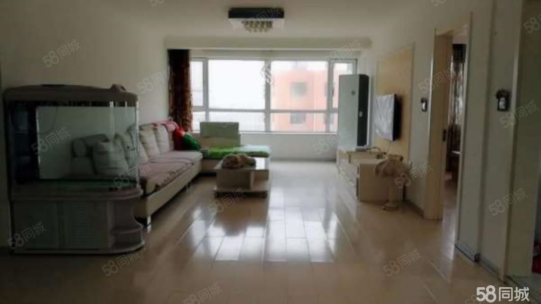 曼哈顿B区3室精装出租房包取暖包物业家具家电齐全