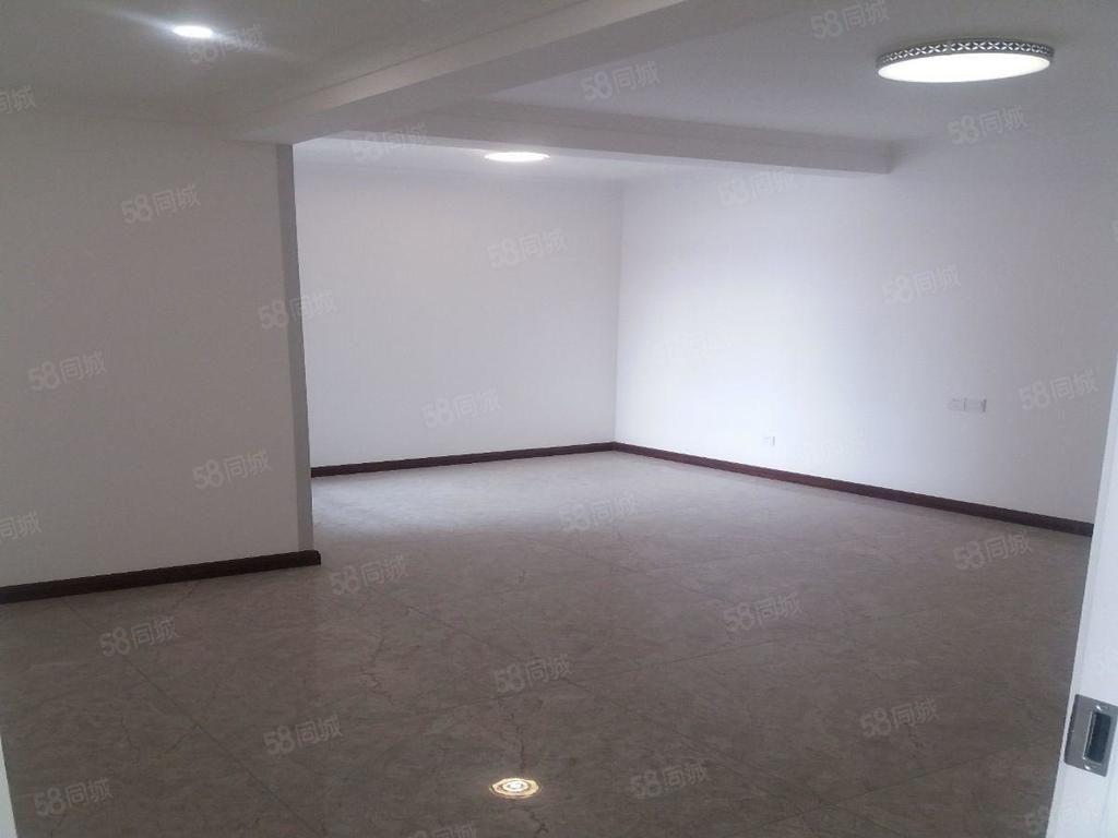 北门口十字凤凰城2室2厅1卫精装空房,随时入住