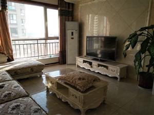 三八街高层名都豪苑精装全套家具带空调冰箱设施齐全拎包入住