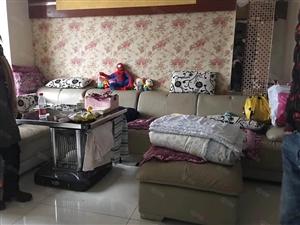 捡便宜学位房高层精装修,带家具家电,户型无浪费,需全款。