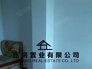 城中心南门市场步梯3楼114.37平方售70万,欢迎随时来电