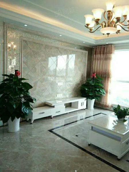 国光附近秀江外滩南北通透精装三房黄金楼层仅售50万!