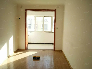 新城路万达旁毛庄社区3室2厅采光好干净整洁交通顺