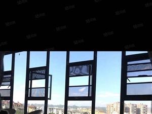 红石溪谷豪华装修大落地窗