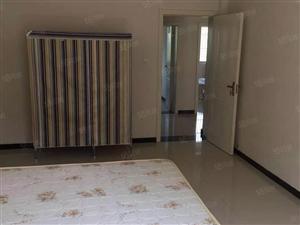 曹集路三层带院整体出租300平方6室月租2000