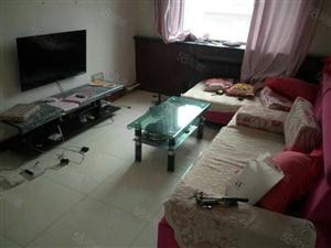 水泥附近1室1厅屋内干净中装季付每月800元