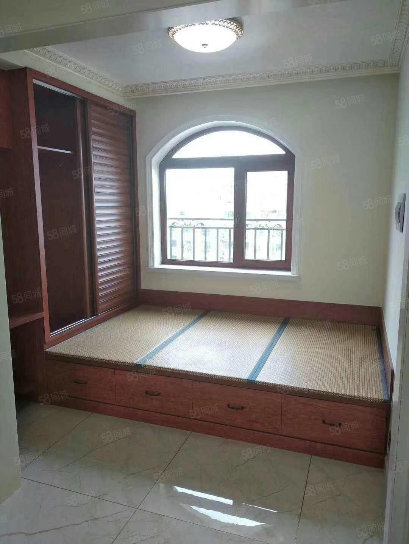 怡丰水郡阁楼,后一套,电梯直达,67.56平,19.5万