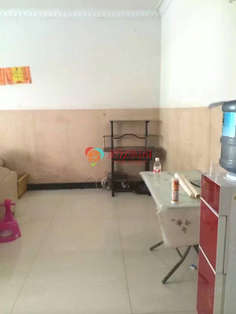 水果市场2室2厅出租简单装修拎包入住