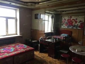 东湖小区正六楼三室南北通透属于毛坯房随意装修