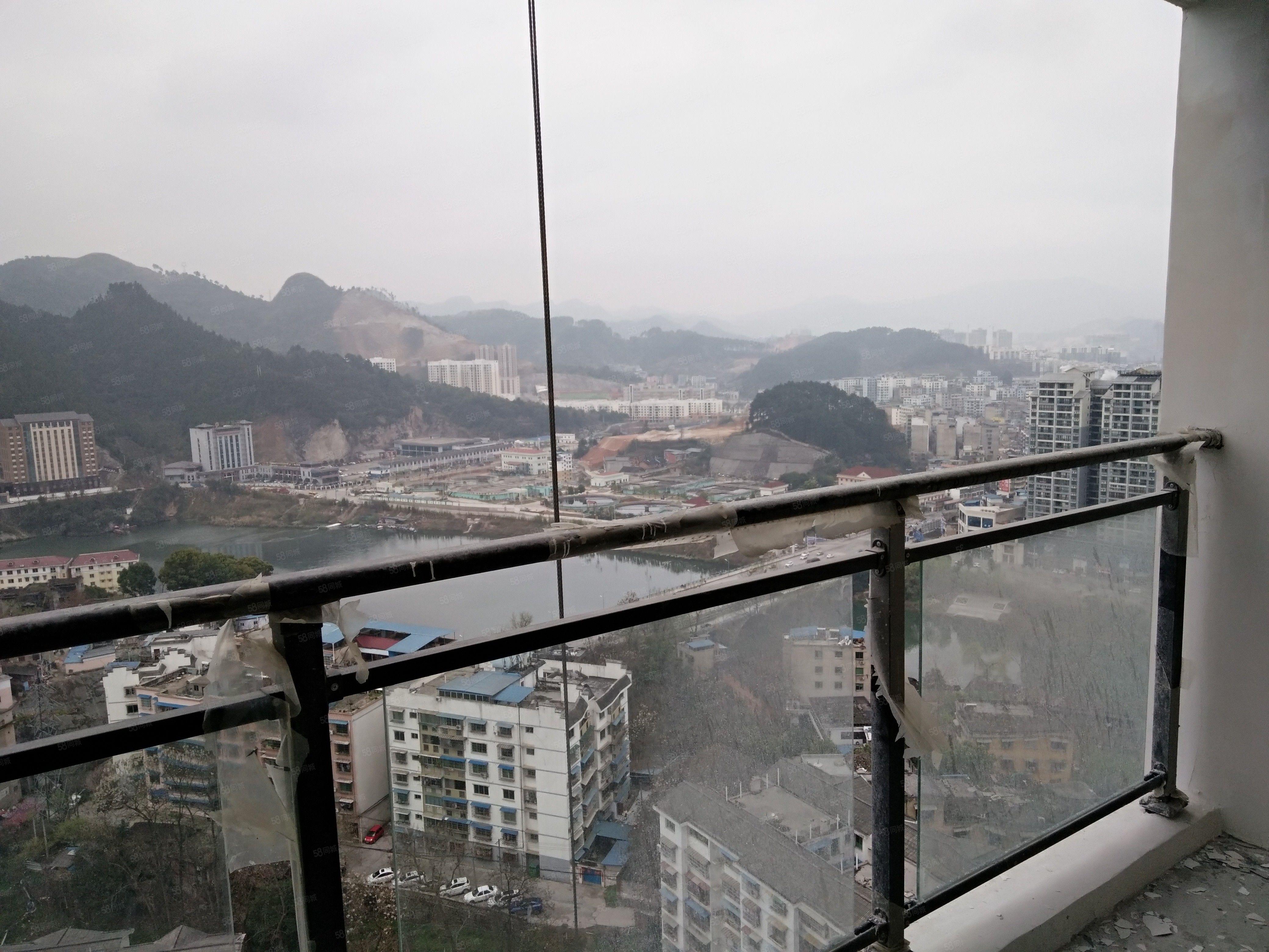 琵琶湾电梯房出租,毛坯,江景房,可长期出租