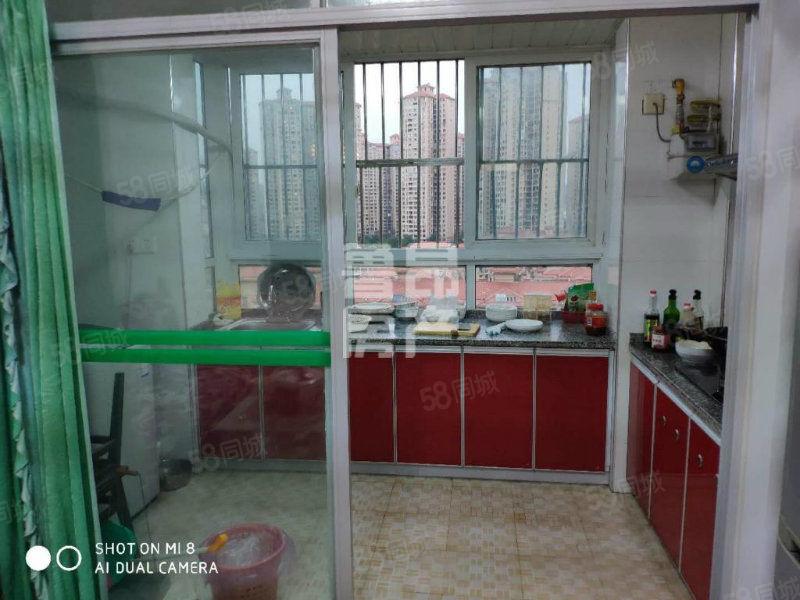河东青年公社装修一房满两年三通交通便利购物方便