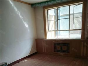 惠民小区有房出售,简单装修,4楼,可拎包入住
