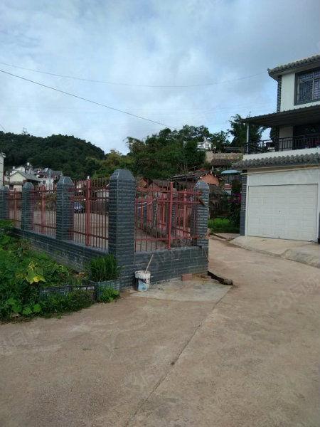白庙自建房精装修1楼带车库30平米菜地、院子40平米