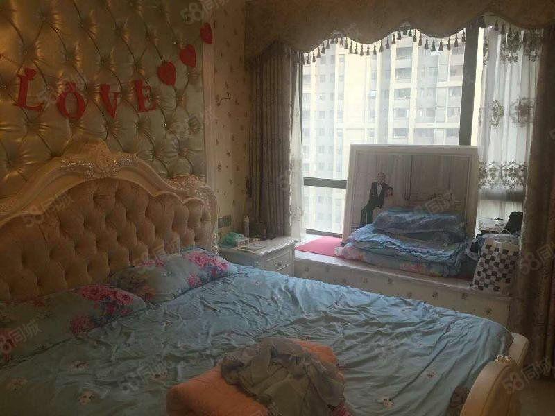 亚星城市山水两室两厅精装朝南中间楼层采光好婚房装修