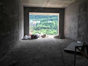 五室两厅两卫清水房130平米,即买即装!房子真心不错!