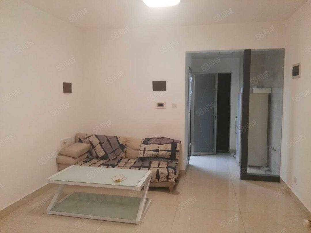 体育馆旁时代广场三区18楼精装1200元/月带家具