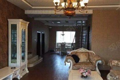 巨城地产魏佳:翠海花园二期72万4室2厅2卫豪华装修