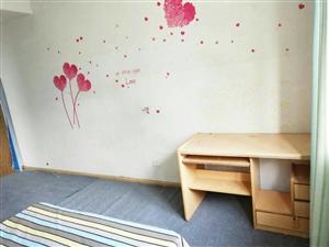 新蓝钻E区双气大三房有空调可当宿舍能做工作室随时看房真实价位