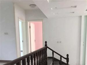 水榭华庭小高层158平方3室2厅2卫加车位加配房,超值好房。
